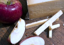 Cabot Clothbound Cheddar and Apples