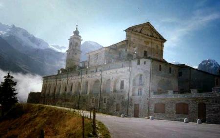 Santuario di San Magno in Castelmagno