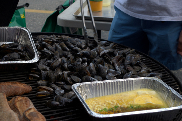 Chris Schlesinger's Grilled Mussels with Mango Curry Sauce