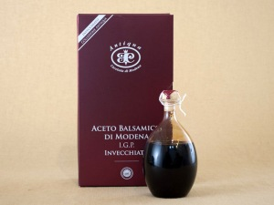 Antiqua Balsamico Hand Blown Bottle