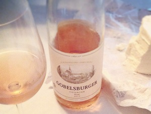 Schloss Gobelsburger Rose with Chevre